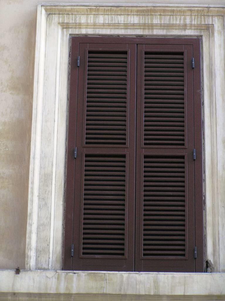 D 15 Finestre scuretti e persiana stile centro storico 20