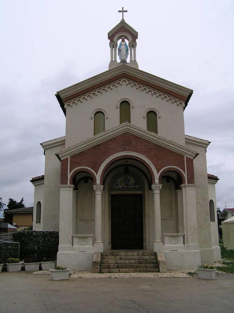 E 5 Chiesa Santa Maria Assunta a Doganella di Ninfa LT 1