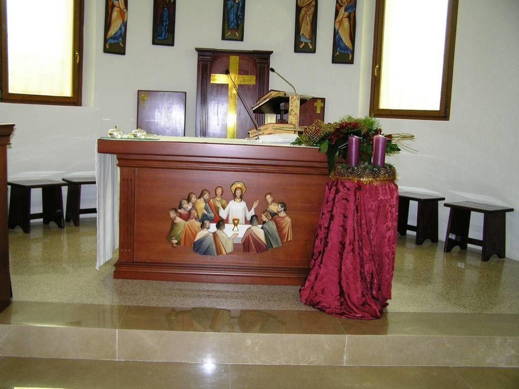 E 5 Chiesa Santa Maria Assunta a Doganella di Ninfa LT 33