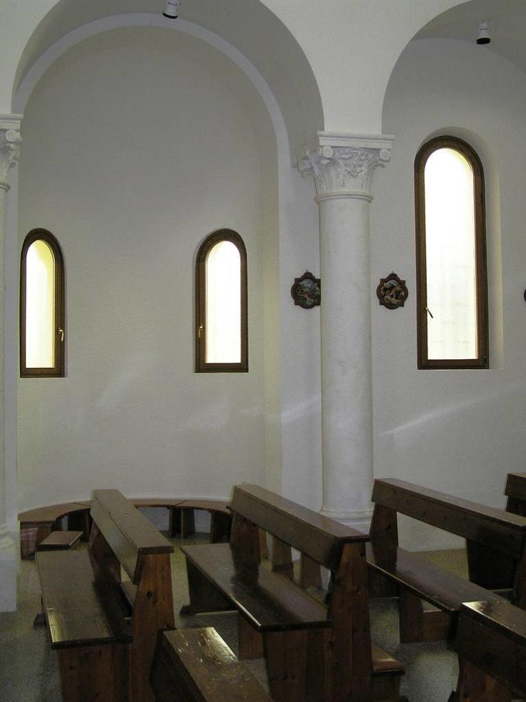 E 5 Chiesa Santa Maria Assunta a Doganella di Ninfa LT 42