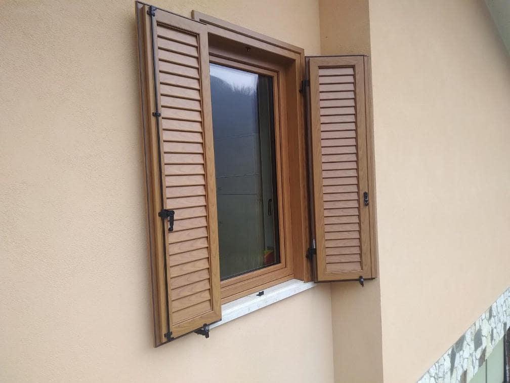 finestra in legno alluminio
